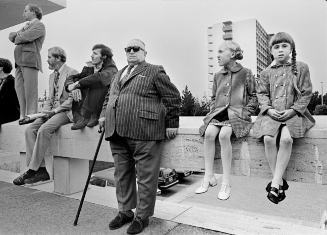 Michael Jang, Onlookers at Funeral of George Moscone, 1978, gelatin silver print. Courtesy of the artist / © Michael Jang