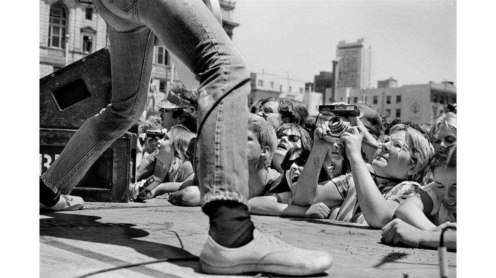 Michael Jang, Ramones Free Concert, Civic Center Plaza, San Francisco, 1979, gelatin silver print. Courtesy of the artist / © Michael Jang
