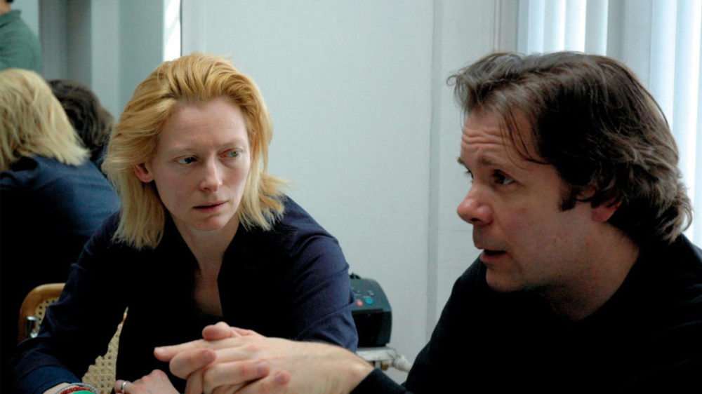 Tilda Swinton and Thomas Jay Ryan in Strange Culture (2007) directed by Lynn Hershman Leeson. Courtesy the artist